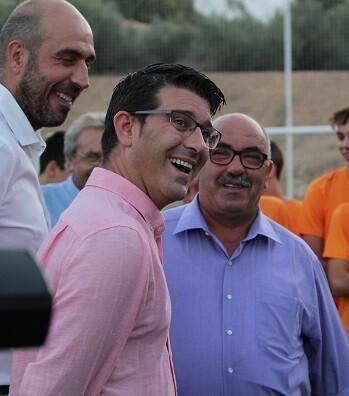 Jorge Rodríguez visita Atzeneta d'Albaida acompañado por su alcalde, José Descals, y el diputado Pablo Seguí.