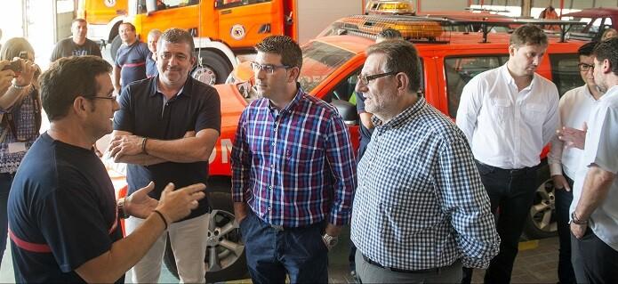 Jorge Rodríguez visita las instalaciones parque de bomberos de Torrent.
