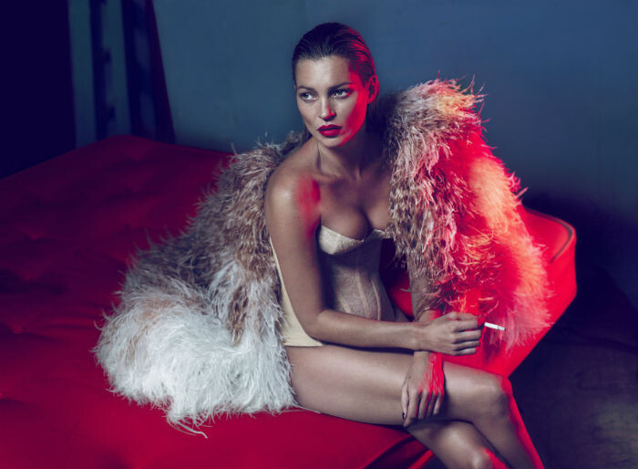 Kate-Moss-por-Mert-Marcus-Vogue-Japón-Mayo-2011-ret