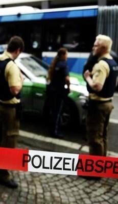 La Policía acordona una de las zonas.