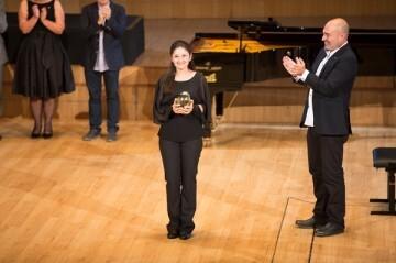 La pianista Fátima Dzusova consigue el máximo galardón del Premio Iturbi, Concurso Internacional de Piano de València.