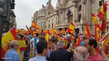 Miles de personas se manifiestan por la unidad de España en Valencia 20170930_120731 (13)