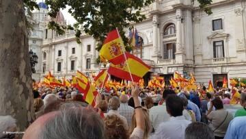 Miles de personas se manifiestan por la unidad de España en Valencia 20170930_120731 (16)