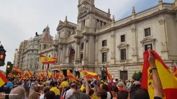 Miles de personas se manifiestan por la unidad de España en Valencia 20170930_120731 (3)
