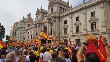 Miles de personas se manifiestan por la unidad de España en Valencia 20170930_120731 (7)