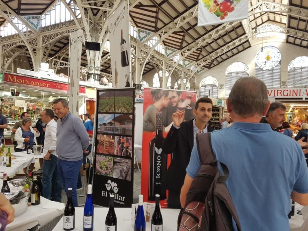 Nuevo éxito de vins al Mercat (3)