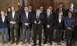 """Puigdemont da por bueno el 1-O y lo llevará al Parlament """"en los próximo días""""."""