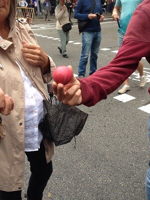 Una de las pelotas de goma que la Policía Nacional ha disparado contra los manifestantes. (Fuente-propia.)
