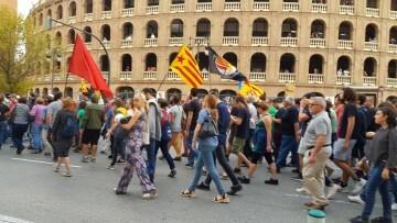 Una manifestación nacionalista del 9 de Octubre en Valencia con tensión (112) (Medium)