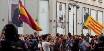 Una manifestación nacionalista del 9 de Octubre en Valencia con tensión (125) (Medium)