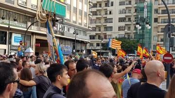 Una manifestación nacionalista del 9 de Octubre en Valencia con tensión (16) (Medium)