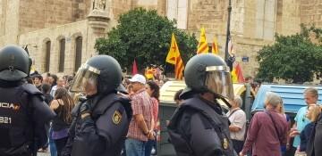 Una manifestación nacionalista del 9 de Octubre en Valencia con tensión (20) (Medium)