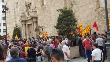 Una manifestación nacionalista del 9 de Octubre en Valencia con tensión (37) (Medium)