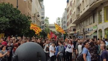 Una manifestación nacionalista del 9 de Octubre en Valencia con tensión (46) (Medium)