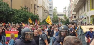 Una manifestación nacionalista del 9 de Octubre en Valencia con tensión (54) (Medium)