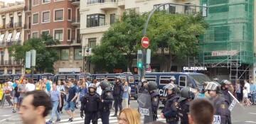 Una manifestación nacionalista del 9 de Octubre en Valencia con tensión (61) (Medium)