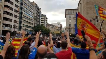 Una manifestación nacionalista del 9 de Octubre en Valencia con tensión (65) (Medium)