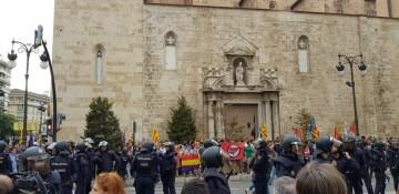 Una manifestación nacionalista del 9 de Octubre en Valencia con tensión (68) (Medium)