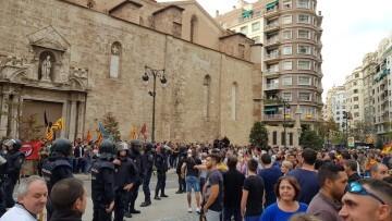 Una manifestación nacionalista del 9 de Octubre en Valencia con tensión (72) (Medium)