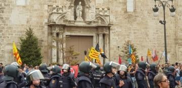Una manifestación nacionalista del 9 de Octubre en Valencia con tensión (73) (Medium)