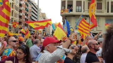 Una manifestación nacionalista del 9 de Octubre en Valencia con tensión (83) (Medium)