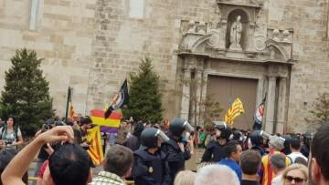 Una manifestación nacionalista del 9 de Octubre en Valencia con tensión (84) (Medium)