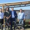 València instala bicis eléctricas cargadas con energía solar.