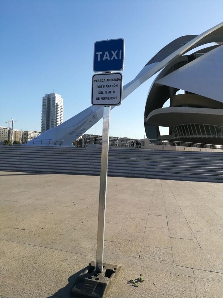1116 Parades taxi per Marató