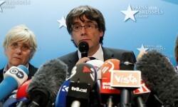 Carles Puigdemont y los cuatro exconsejeros, en libertad hasta que la Justicia belga resuelva la euroorden de detención.