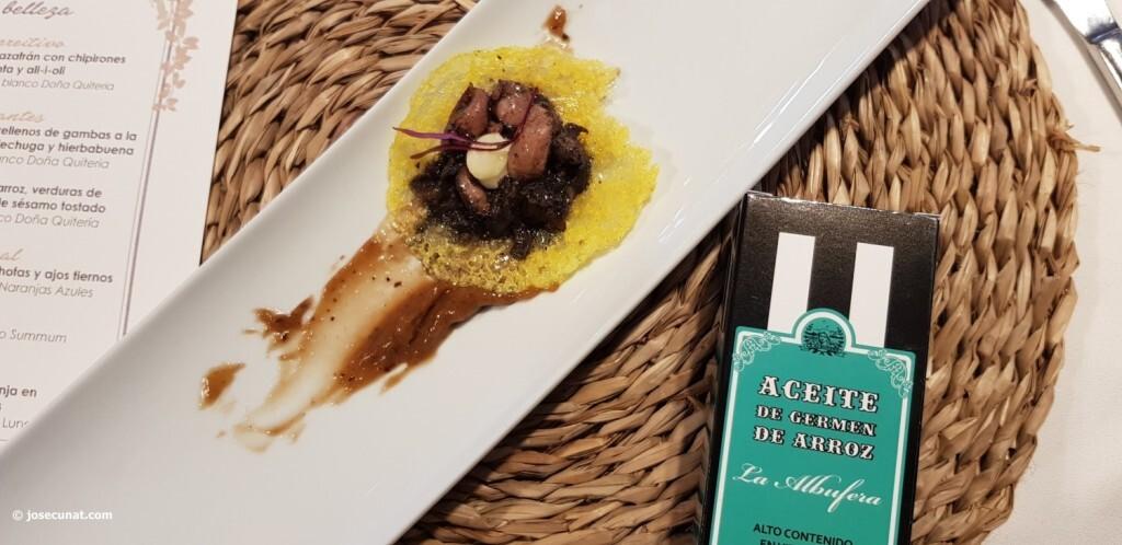 Cristal de arroz y azafrán con chipirones en su tinta y all i oli Nou raco20171123_145549 (18)