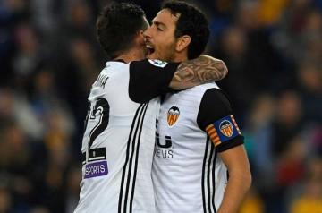 El Valencia se impone al Espanyol (0-2).