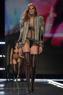 El desfile de Victoria's Secret 2017 ha trasladado su pasarela por primera vez a Shanghái (1)