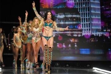 El desfile de Victoria's Secret 2017 ha trasladado su pasarela por primera vez a Shanghái (25)