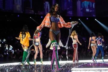 El desfile de Victoria's Secret 2017 ha trasladado su pasarela por primera vez a Shanghái (31)