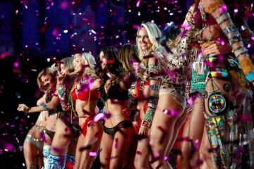 El desfile de Victoria's Secret 2017 ha trasladado su pasarela por primera vez a Shanghái (33)