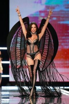 El desfile de Victoria's Secret 2017 ha trasladado su pasarela por primera vez a Shanghái (40)