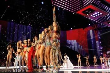 El desfile de Victoria's Secret 2017 ha trasladado su pasarela por primera vez a Shanghái (41)