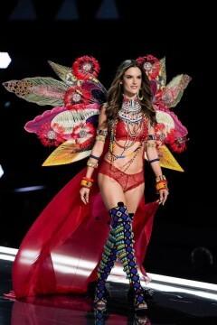 El desfile de Victoria's Secret 2017 ha trasladado su pasarela por primera vez a Shanghái (55)