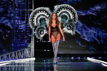 El desfile de Victoria's Secret 2017 ha trasladado su pasarela por primera vez a Shanghái (61)