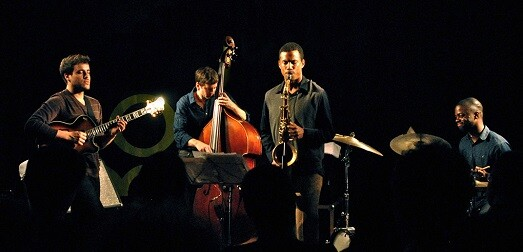 Gilad Hekselman Trio con Mark Turner.