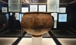 Los visitantes del Museu de Prehistòria de València eligen el recorrido por las salas en sus 'visitas a la carta'.