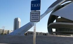 Movilidad Sostenible amplía paradas de taxi para atender la mayor demanda vinculada al Maratón.