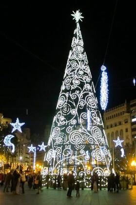 Plaza del Ayuntamiento en Navidad.