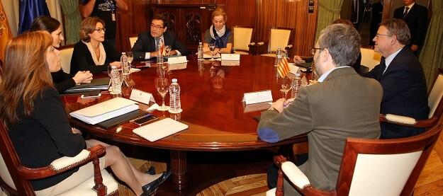 Reunión de Ximo Puig con la ministra de Agricultura.