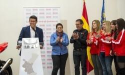 """Rodríguez al equipo Champi Women-""""El camino que habéis abierto lo recorrerán otras mujeres en el futuro""""."""