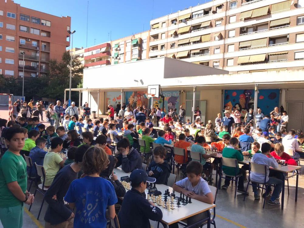 Torneo municipal de ajedrez en el CEP Aiora de Valencia (1)