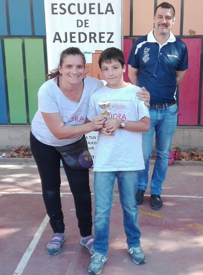 La presidenta del Ampa Monica Campos junto a Pablo Alcalá.