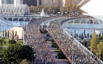 ATLETISMO MARATÓN -València- El Maratón de Valencia Trinidad Alfonso EDP se disputa con la participación de más de 19.000 corredores y el objetivo de batir su récord absoluto de 2:06:31.
