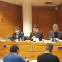 Colomer reitera en Les Corts su postura 'no favorable a la aplicación de una tasa turística'