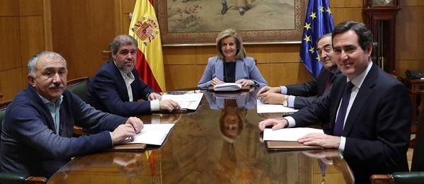 Ibáñez en la reunión sobre el aumento del SMI.